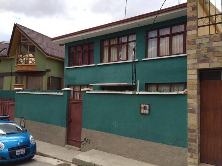 Acogedora casa en venta alto seguencoma us cav892 for Casas minimalistas la paz bolivia