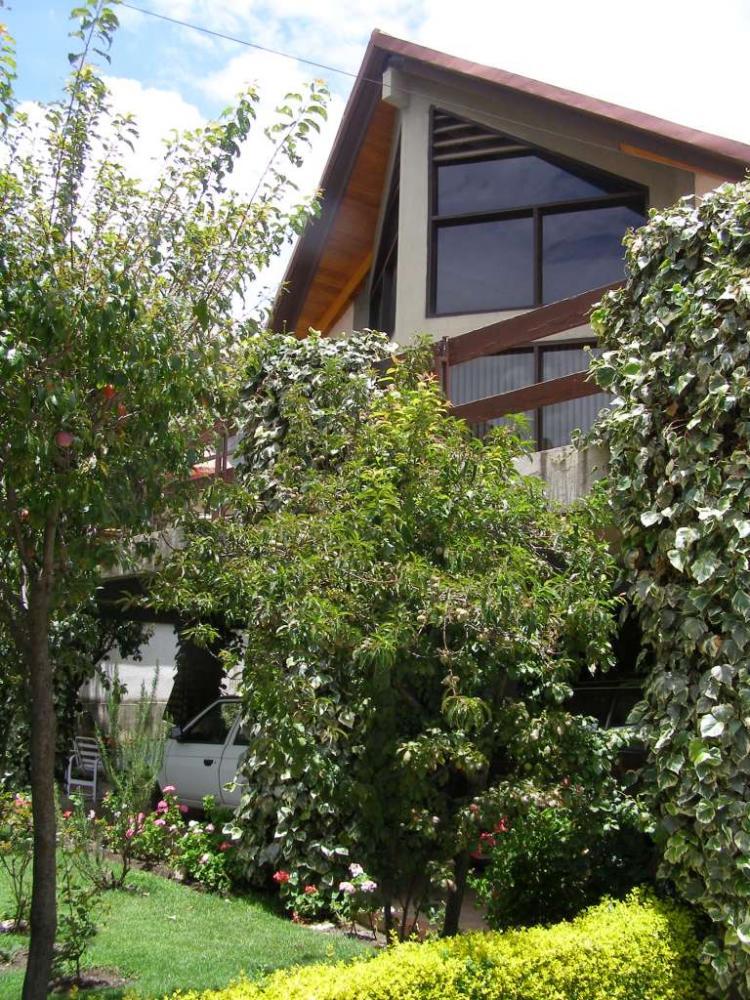 Irpavi vendo casa en 600m2 terreno cav49 for Casas minimalistas la paz bolivia