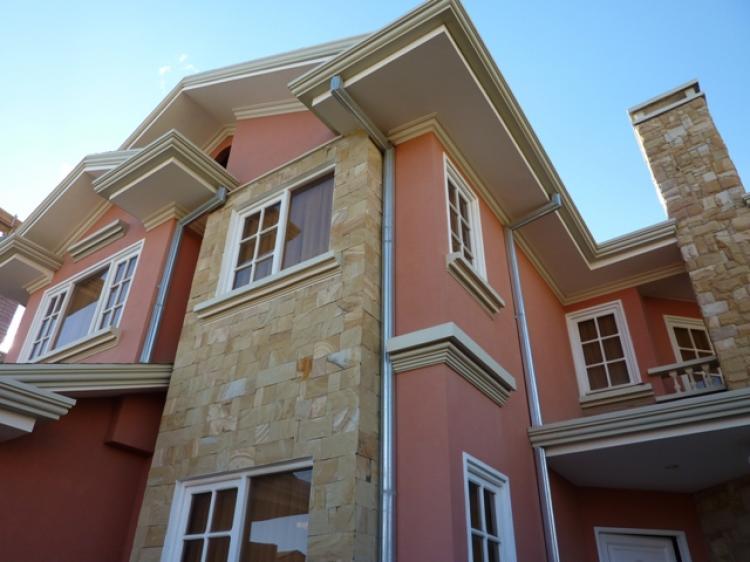 Ksafacil ofrece c0001v en venta casa en achumani lomas for Casas minimalistas la paz bolivia