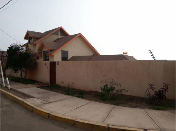 Amplia casa jardines del sur 55 uf antofagasta caa22028 for Arriendo casa para jardin infantil