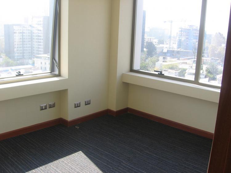 Oficina nueva a pasos metro manuel montt ofa24870 for Oficina consumo santiago
