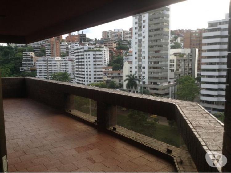 Apartamento 350 mt2 en el oeste de cali 3162685598 co 550 for Casas para la venta en ciudad jardin cali colombia