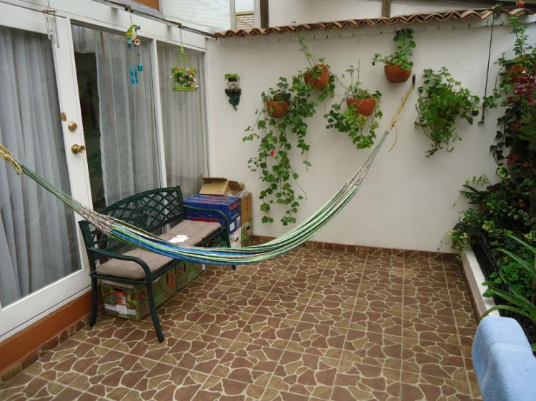 Casa en chia conjunto cerrado 109m2 star de tv pisos en for Pisos para patios de casas