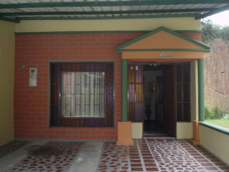 Casa estilo chalet en rionegro campestre excelente for Garajes chalets