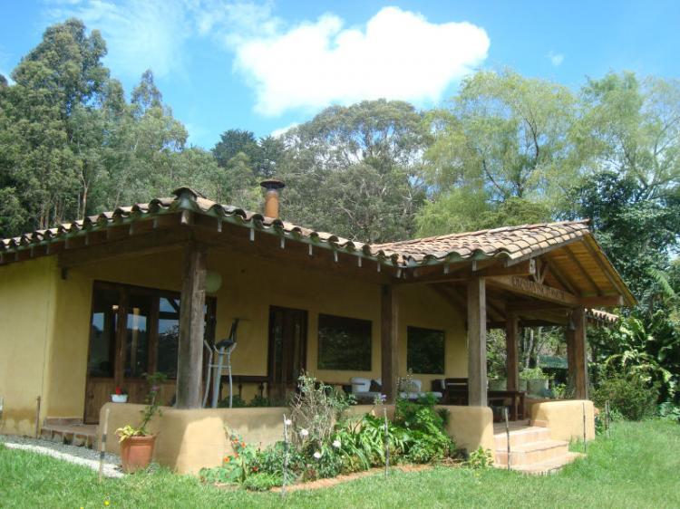Compre casa finca con 174 millones de inicial for Casas en la finca