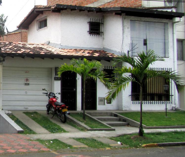 Exelente ubicacion Barrio Laureles: 50mtrs del Viva Mall