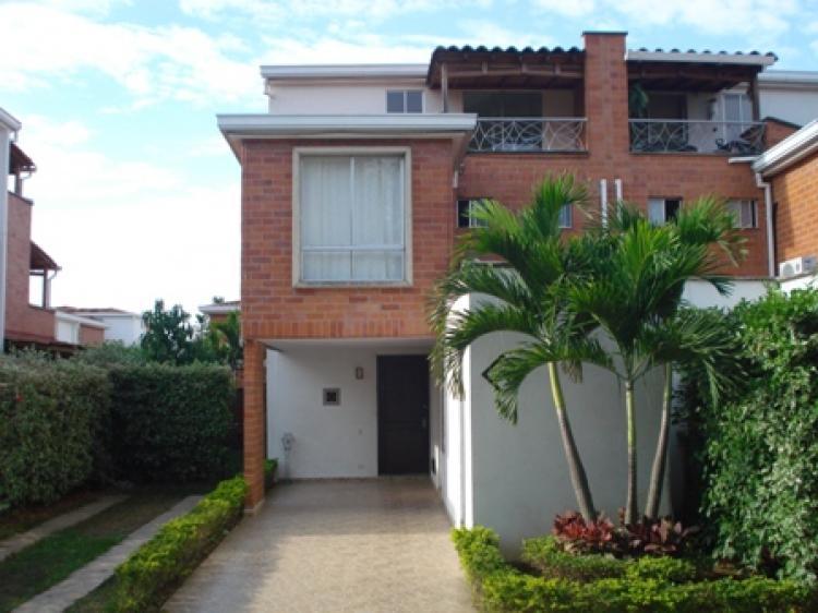 Vendo casa grande 3 pisos ciudad jard n en conjunto for Casas para la venta en ciudad jardin cali colombia