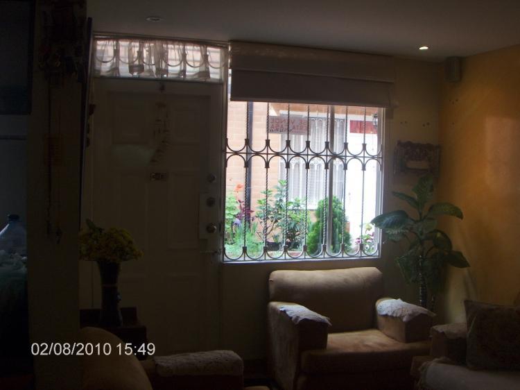 Fotos de hermosa casa terrazas de castilla iii for Terrazas de kennedy