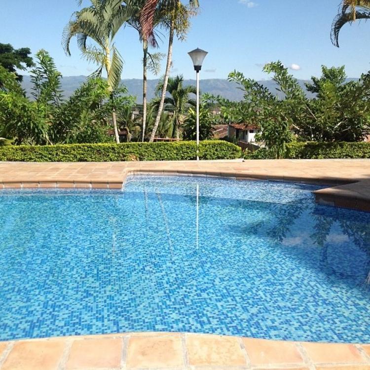 Vendo hermosa finca en andalucia area urbana y rural casa for Tobogan para piscina
