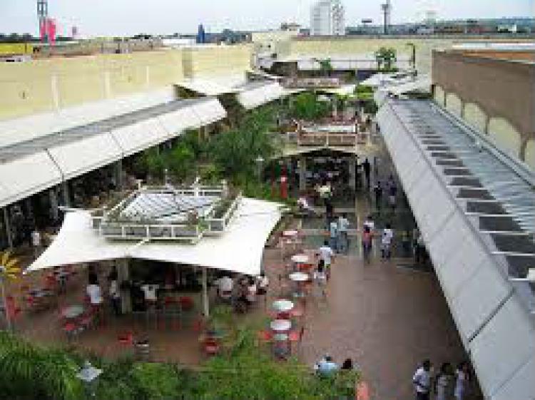 Fotos de local en alquiler centro comercial jardin plaza for Jardin plaza