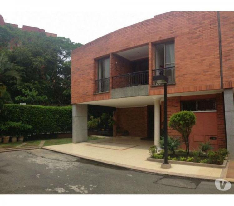 Vendo casa en el polo ciudad jardin cav113775 for Casas en ciudad jardin cali para la venta