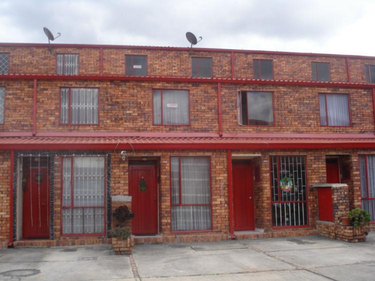 Hermosa casa con jacuzzi en terrazas de castilla cav46716 for Villa jardin piedecuesta