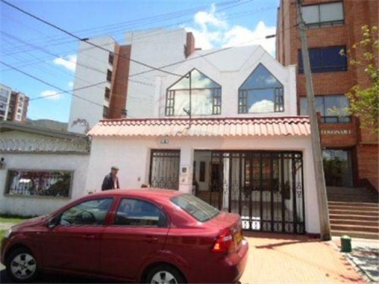Fotos de venta casa cedritos bogot for Casa moderna bogota