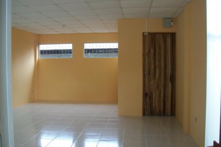 Edificio de 80m2 para alquiler de oficinas puerto jimenez for Alquiler de oficinas