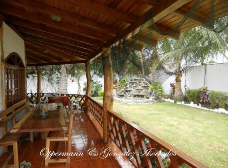 Casa con 3 anexos y jardin bonito en venta en pedernales for H24 casa y jardin