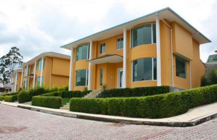 Hermosas casas en el valle de los chillos cav10123 - Casas en quito ecuador ...