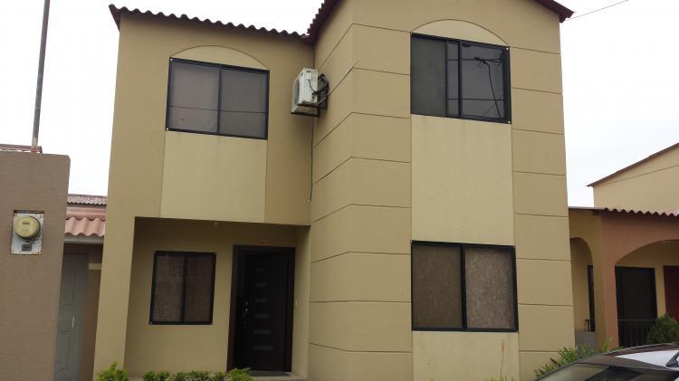 Se alquila casa de dos pisos amoblada en villa club caa19627 for Modelo de casas villa club