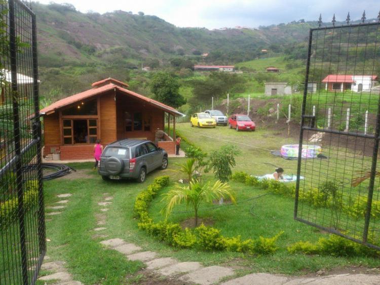 Vendo hermosa quinta en yunguilla quv13963 for Modelo de casa quinta en paraguay