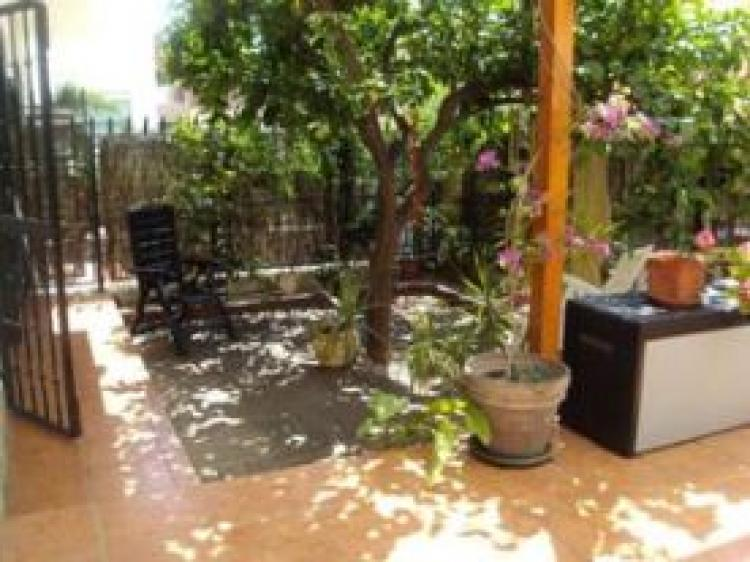 Bajo con jard n privado a 3 km de la playa venta o for Alquiler bajo con jardin madrid