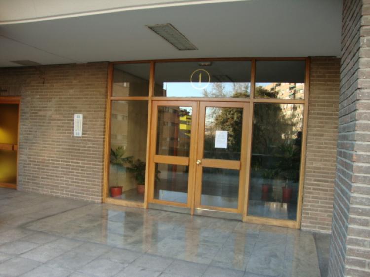 Fotos de inmobiliaria internacional barrios retiro y for Alquiler piso retiro