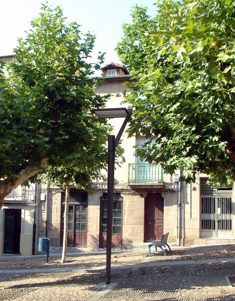 Casa urbana centrica en ourense ciudad ideal for Jardin del posio ourense