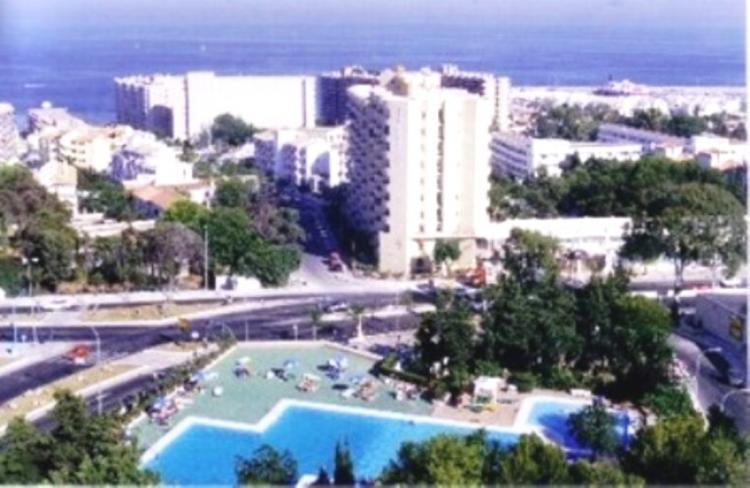 Apartamento en alquiler en torremolinos puerto marina 70 for Apartamentos puerto marina