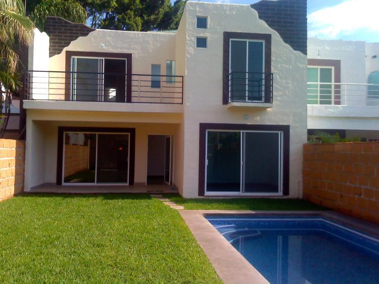 Estilo minimalista fraccionamiento las fincas cav23452 for Fachadas estilo minimalista casas