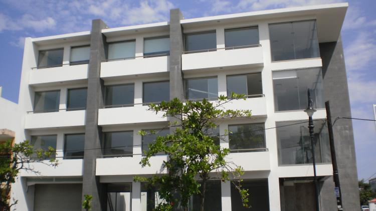 Renta edificio 4 pisos frente al baluarte de santiago mx for Edificios minimalistas fotos