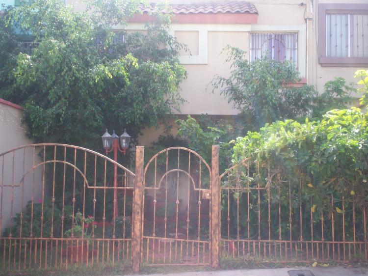 Traspaso casa con bonito jardin cav15128 for Casa con jardin valencia