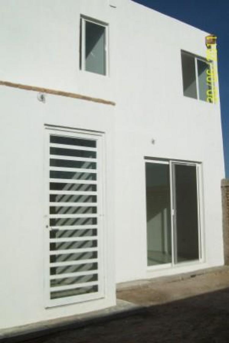 Vendo casa estilo minimalista cav41106 for Casas estilo minimalista