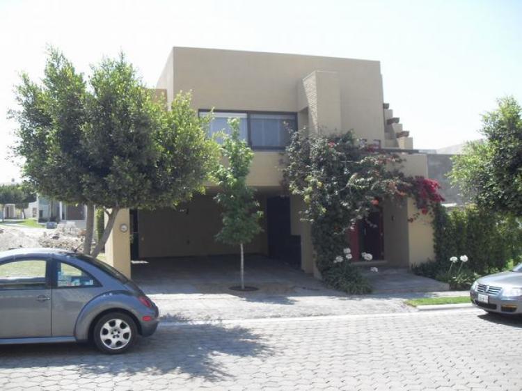 Rento casa lomas de angelopolis c s muebles car38989 for Casa lomas muebles