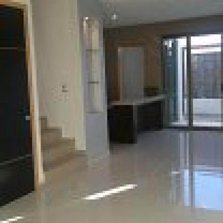 Fotos de 4 recamaras 4 ba os compleos casa moderna de lujo for Banos casas modernas