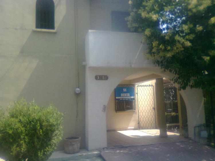 Amplia y ubicadisima casa planta baja car171654 for Renta de casas en monterrey