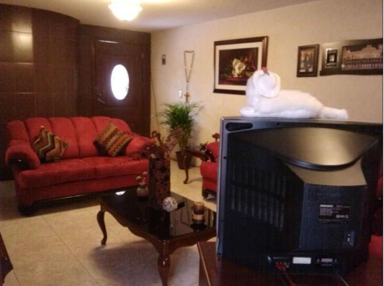 Bonita casa de 3 recamaras con closet excelente ubicaci n for Recamaras modernas con closet