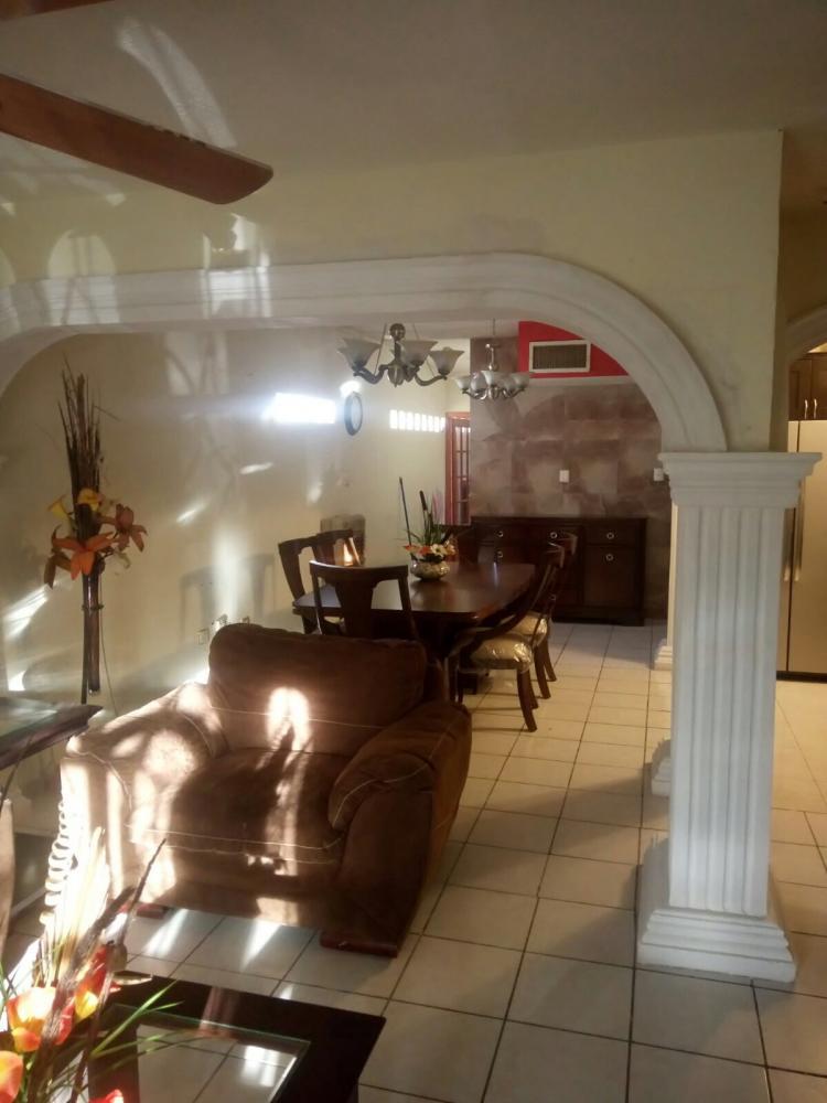 Fotos De Casa Amplia 2 Pisos Con Sistema Hidroneumatico Y