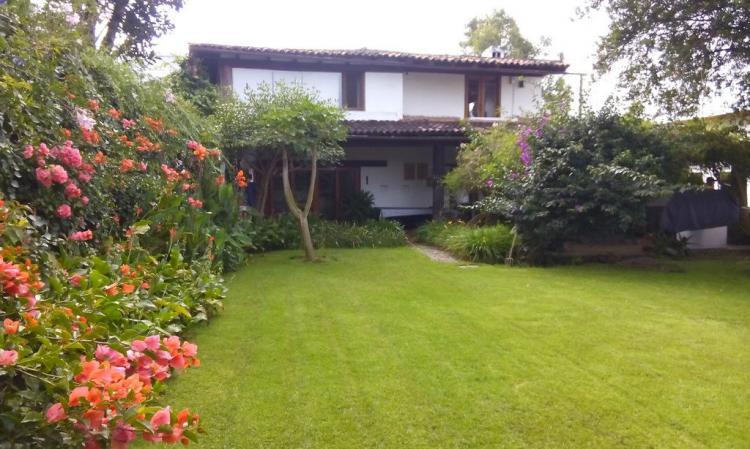 Casa con alberca jardin y vista al lago en el centro de for Jardines mexico