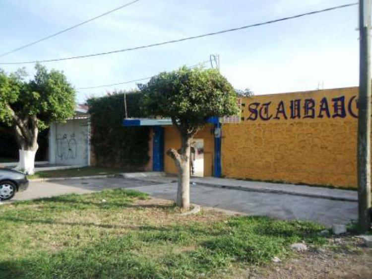 Casa Con Local Comercial Cav88541