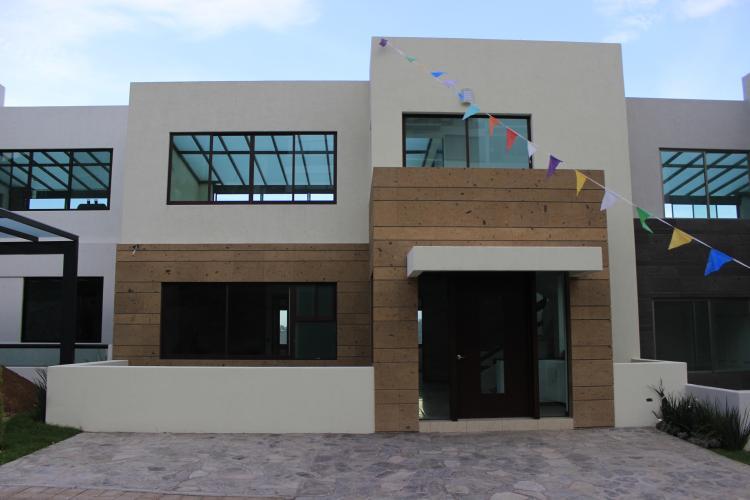 Casa de 3 plantas 4 rec maras y 4 ba os lista para for Terrazas zero morelia
