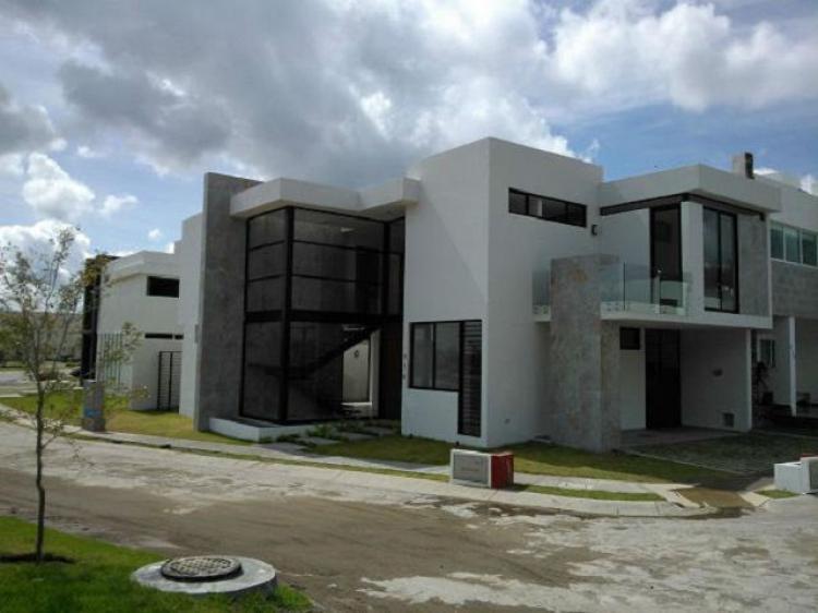 Casa en fraccionamiento la rioja tlajomulco de z iga - Casas prefabricadas la rioja ...