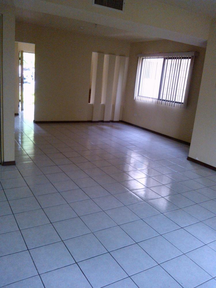 Casa en renta en colinas de san jeronimo car83858 for Alquiler de casas en sevilla zona san jeronimo
