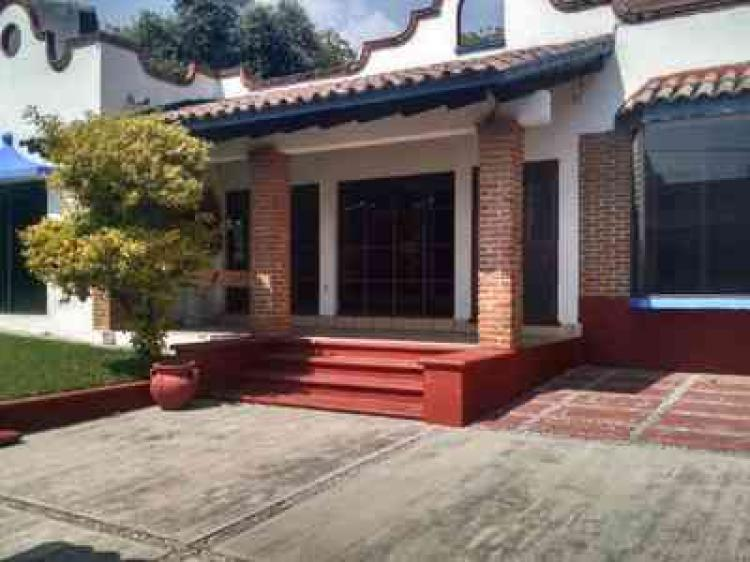 Casa en renta en cuernavaca ocotepec car215810 for Casas en renta cuernavaca