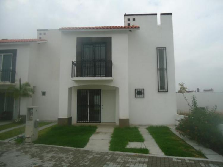 Casa en renta irapuato gto car189482 for Casas en renta leon gto
