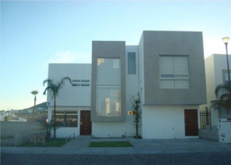 Casa en venta cumbres del lago juriquilla cav135396 for Casas modernas juriquilla