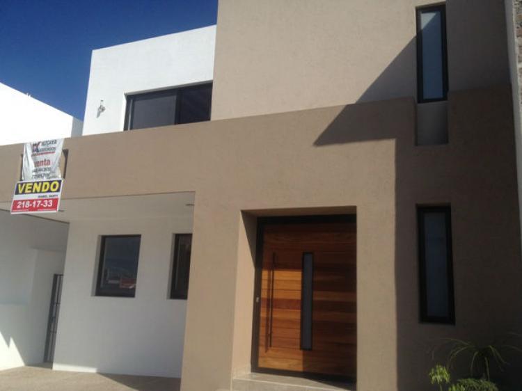 Casa en venta en davinci en cumbres de lago juriquilla for Casas modernas juriquilla
