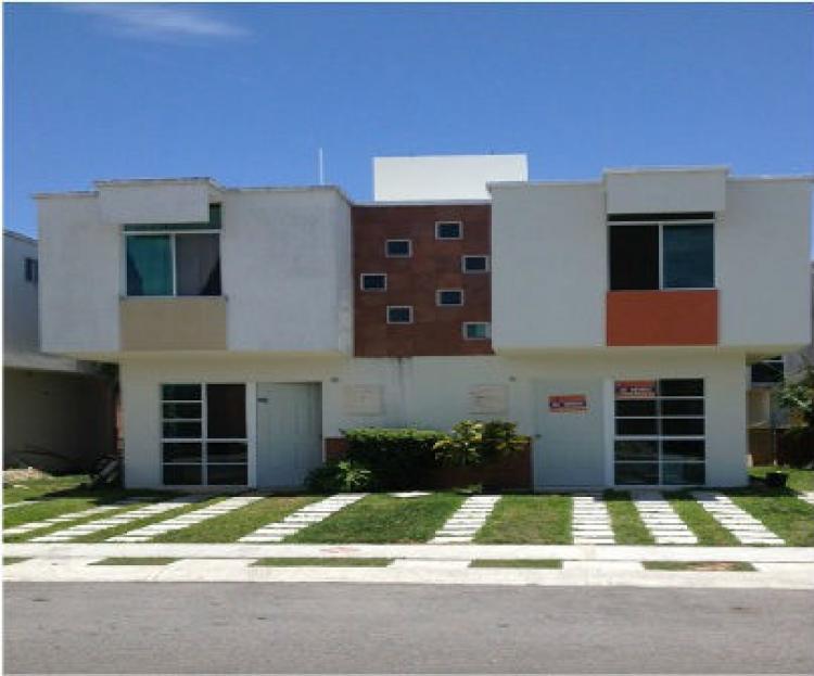 Casa en venta en fracc playa azul en playa del carmen for Apartamentos playa azul