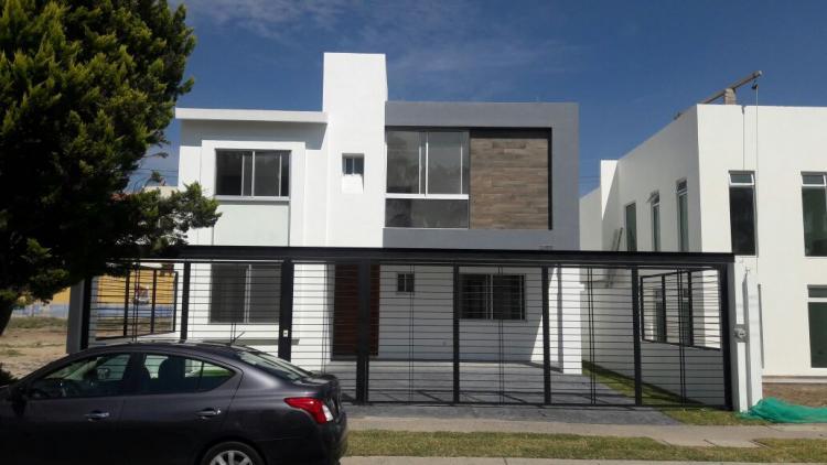 Casa en venta en jardin real excelente proyecto cav227266 for Casa de juguetes para jardin
