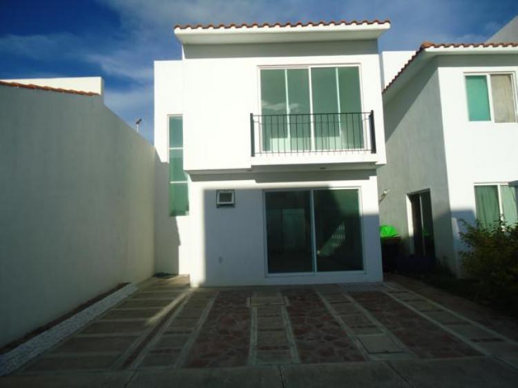 Casa en venta irapuato gto zona residencial cav147422 for Casas en renta en irapuato