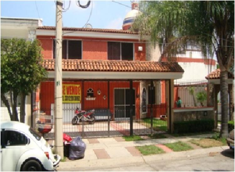 Casa en venta jard n real boulevard jard n real 70 cav88959 for Boulevard inmobiliaria ciudad jardin