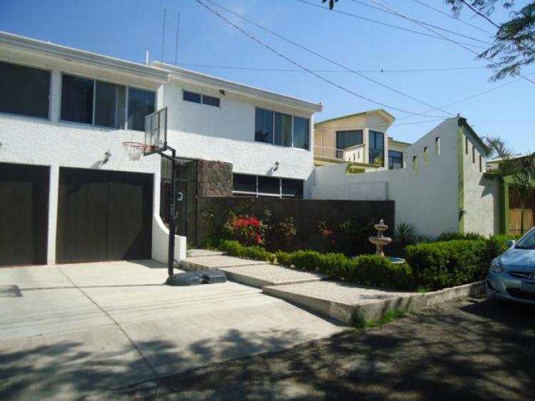 Casa en venta villas de irapuato cav125649 for Villas irapuato