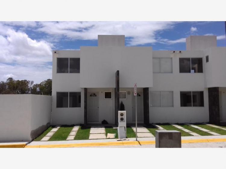 Casa junto al lago de guadalupe cav208244 for Casa de guadalupe